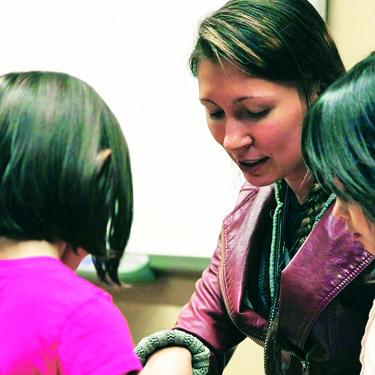 Maria Martin teaching Lushootseed.