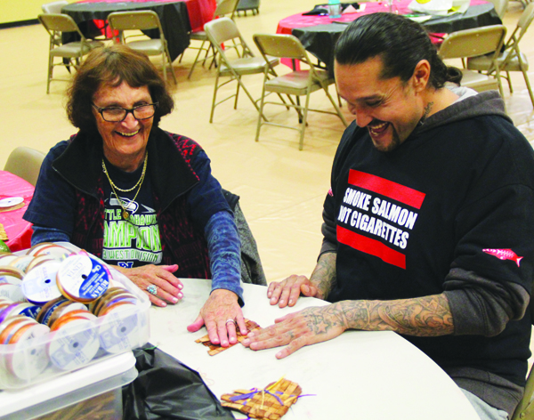Attendees at theTobacco-Free Together Day not receive help to quit smoking, they also learned weaving and beading as a way to use cultural activities to cope with and get through nicotine cravings. Photo/Micheal Rios