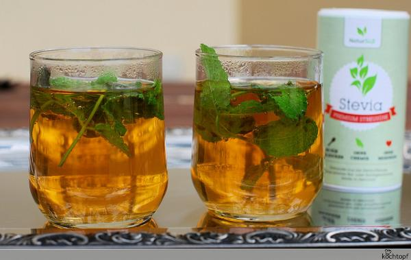 Brazil's Indigenous peoples have sweetened teas with stevia since ancient times. (Flickr/kochtopf)