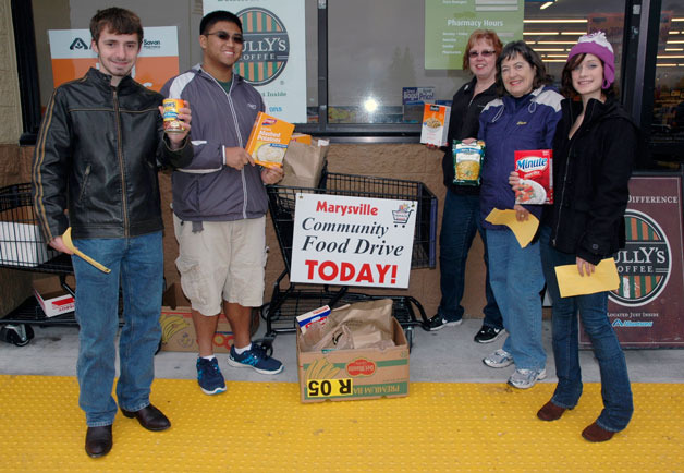 From left, Sean Overcash, Alwyn Galang, Vicki Steffen, Elaine Ferri and China Zugish represented the Marysville Kiwanis and Key clubs at the Marysville Albertsons during last year's All-City Food Drive.— image credit: File Photo