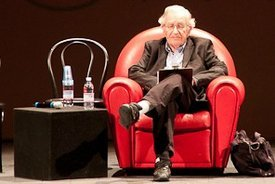 Noam Chomsky speaking in Trieste, Italy. (Photo: SISSA/cc/flickr)