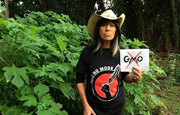 Image source: twitter.com/BuffySteMarie'If you really want to see something historic in your life, go to Fort McMurray and just bear witness to what they're doing,' says legendary musician-activist Sainte-Marie.