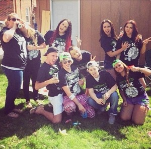 Racist or merely rowdy? 'Siouxper Drunk' T-shirts draw smiles, anger at University of North Dakota. Photo: Twitter