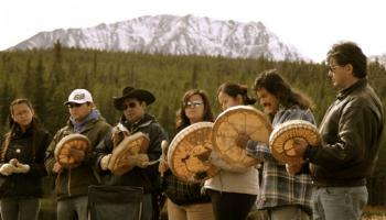 Photo from http://rabble.ca/blogs/bloggers/brent-patterson/2013/11/council-canadians-supports-tsilhqotin-nation-supreme-court